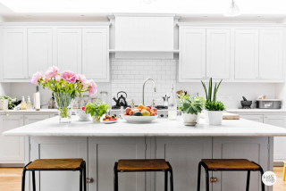 Kitchen staging for vacation rentals - 1 Chic Retreat